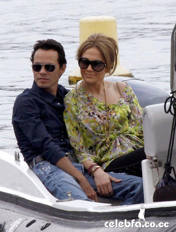 جنیفر لوپز و شوهرش مارک آنتونی - سواحل فرانسه